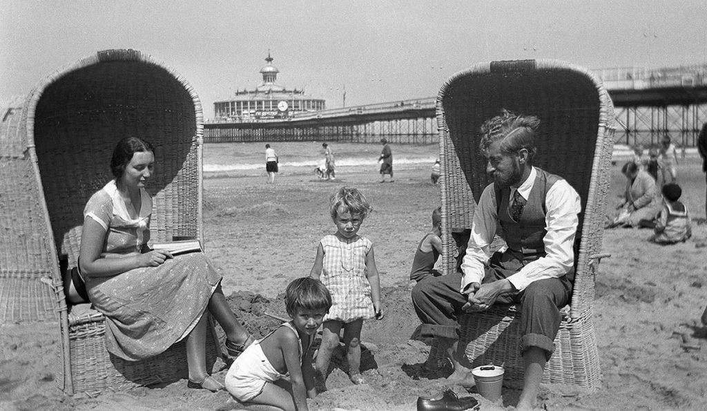 Escher-Umiker family in Scheveningen, July 1931