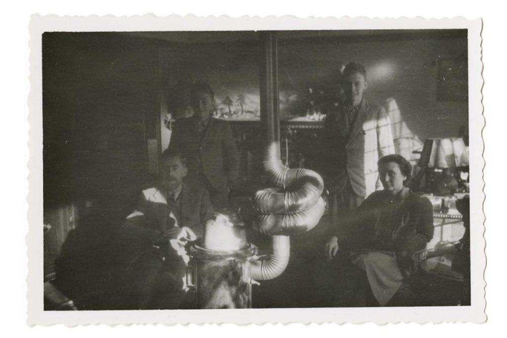 Escher family, Baarn 1942
